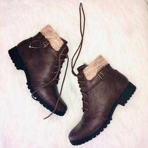 Arizona Boots NWOT size 4 girls